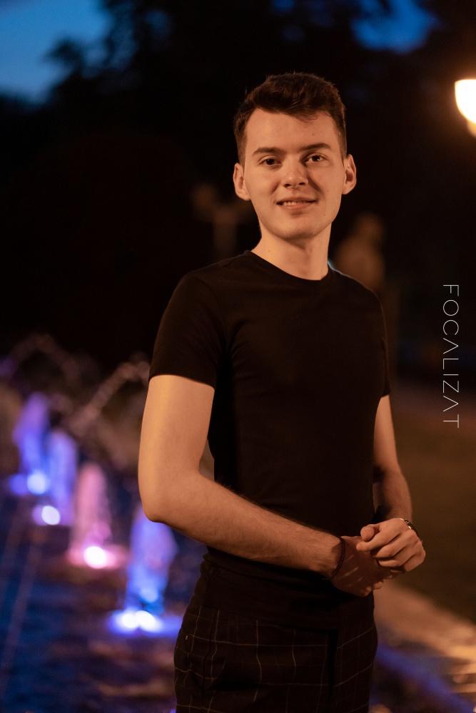 Night-time photoshoot cu Flavius